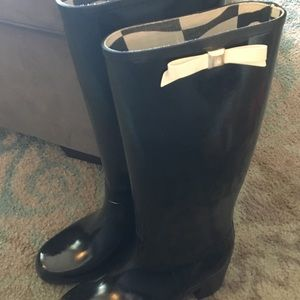 Kate spade black with bows rain boots size 9